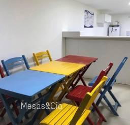 Mesa cadeira coloridas