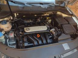 Vende-se ou troca Passat Variant 2005/2006 carro precisa de uma revisão detalhes a fazer