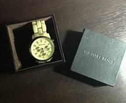 (Seminovo)Original. Relógio Michael Kors Madrepérola pouco usado. Única dona