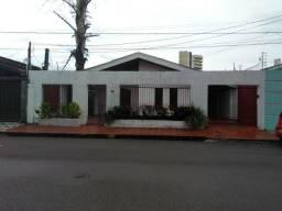 Vende-se essa linda casa
