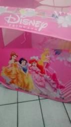 Casinha com bolinhas princesas