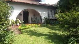 Casa no centro de teresópolis, 8 quartos e 4 suítes com 5 vagas