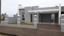 Casa Nova, uma quadra do mar, 4 dormitórios,2 suítes, 3 banheiros, lavabo.