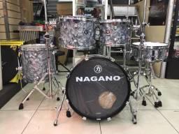 """Bateria Acústica 20"""" Nagano Concert Traditional Celulloid Abalone Gray - Loja Física"""