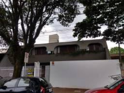 Sobrado com elevador em região de clinicas e hospitais com 580m² próximo da Av. Curitiba