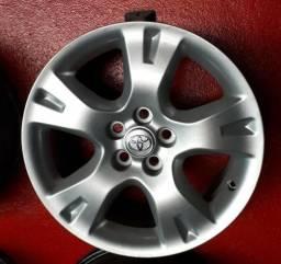 Rodas aro 16 para Corolla Originais Toyota, com emblema cravado na roda