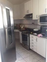 Alugo Apartamento de 2 quartos em Bento Ferreira
