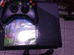 Xbox 360 bloqueado troco placa de vídeo ou vendo