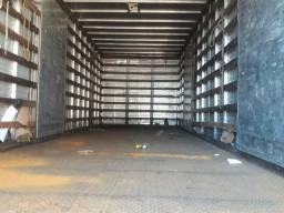 Caminhão 1113 bau revisado
