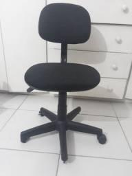 Cadeira rotatória secretária