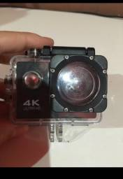 Vende-se uma câmera