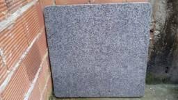 Título do anúncio: Pedra de granito 80 centimetros por 80