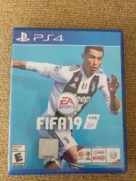 Título do anúncio: FIFA 19 ps4