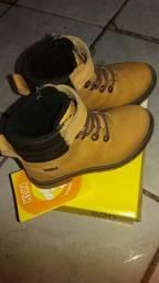 Sapatos tamanho 25 zap *