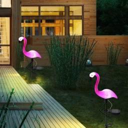 Decoração flamingo led. Com carregamento sistema solar
