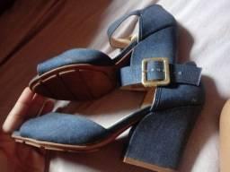 Salto ( TAMANHO 38 ) cor azul