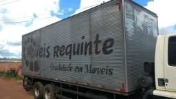 Baú de caminhão de 7 metros e 80 centímetros