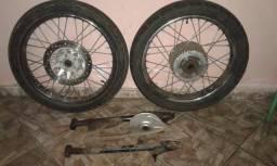 Par de rodas e balança com espelho da titan 125