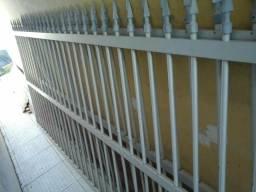 Vendo 2 grades de alumínio para muro(sem portão)