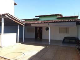 Casa para Alugar 3/4. Resd.Porto