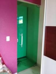Vendo porta em vidro Verde d 8 mm com puxador med 210 x 80