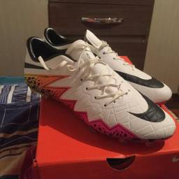 Chuteira Nike Hypervenom Phinish 108 profissional b51be557c9971