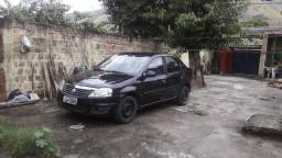 Troco em carro com 7 lugares - 2011