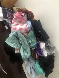 Corra! Lote de roupas pra vc que quer abrir um brechó São 140 peças muito conservadas
