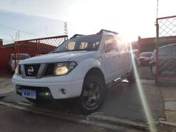 Nissan Frontier 2.5 LE Attack 4x4 TB - 2013