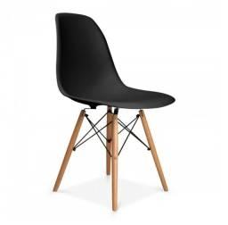 Cadeiras com pequenos defeitos