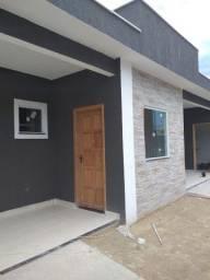 Casa 2 qts suite, vaga e um pequeno quintal em Itaipuaçú!