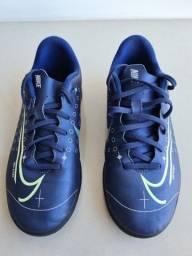 Chuteira infantil Nike tam. 35 (usada duas vezes)