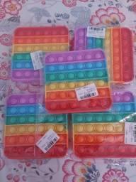 Título do anúncio: Brinquedo Anti-estress arco-íris