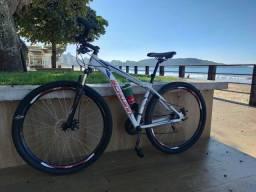 """Bike excelente """"Tam (m)17"""" aro 29"""