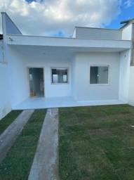 Casa 2/4 sendo uma suíte, bem localizada, Vizualise imagens