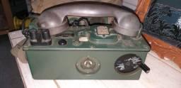 Antigo telefone militar de campanha, case original de transporte, linda peça