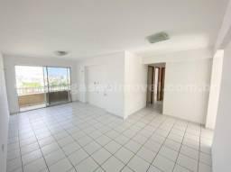 Um apartamento com bom espaço interno e área de lazer !