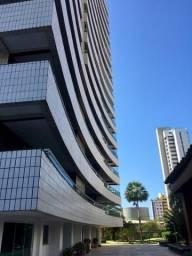 Apartamento no Bairro Guararapes, 315 m², 4 suítes, 4 vagas
