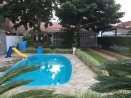 Casa com Piscina centro de Praia de Leste - Pontal do Paraná / PR
