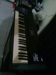 Vendo urgente teclado sintetizador korg n364 valor 600 reais a negociar