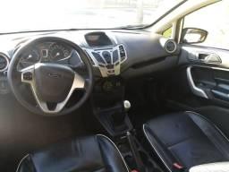 Ford - New Fiesta Sedan - 2013
