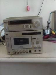 Deck e rádio AIKO precisa de manutenção.