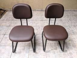 2x Cadeiras de escritório marrom
