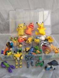 Lote com 58 brinquedos mini