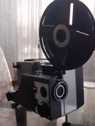 Vendo projetor sankyo 2000h e filmadora super 8 Modelo E8-44 XL eletrônic system
