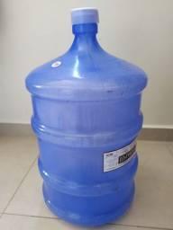 Garrafão de água 20 litros