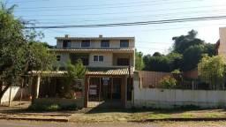 Excelente sobrado 3 dormitórios  com pátio e vaga no bairro Cavalhada