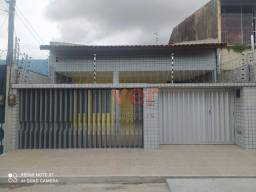 Título do anúncio: Casa com 3 dormitórios para alugar, 110 m² por R$ 2.100,00/mês - Amadeu Furtado - Fortalez