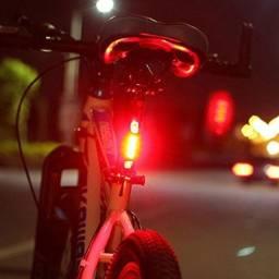Luz Lanterna Led traseira Bicicleta recarregável 4 modos com cabo USB