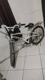 Vendo bicicleta aro 26 semi nova